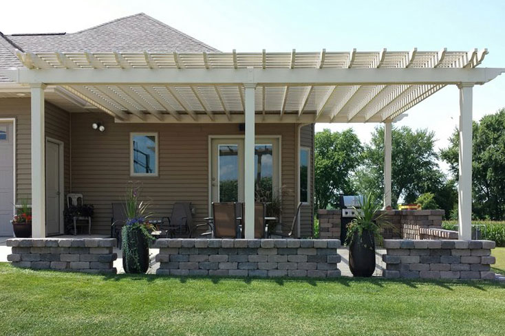 almond backyard vinyl pergola