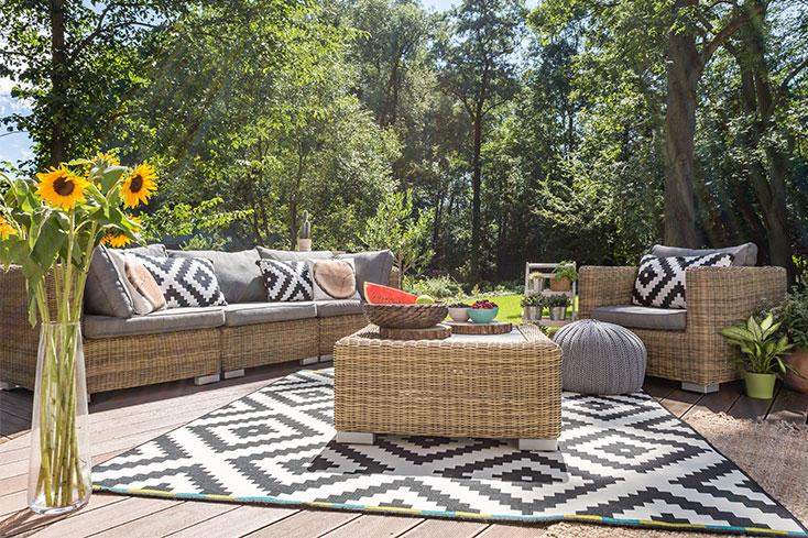 deck area rug
