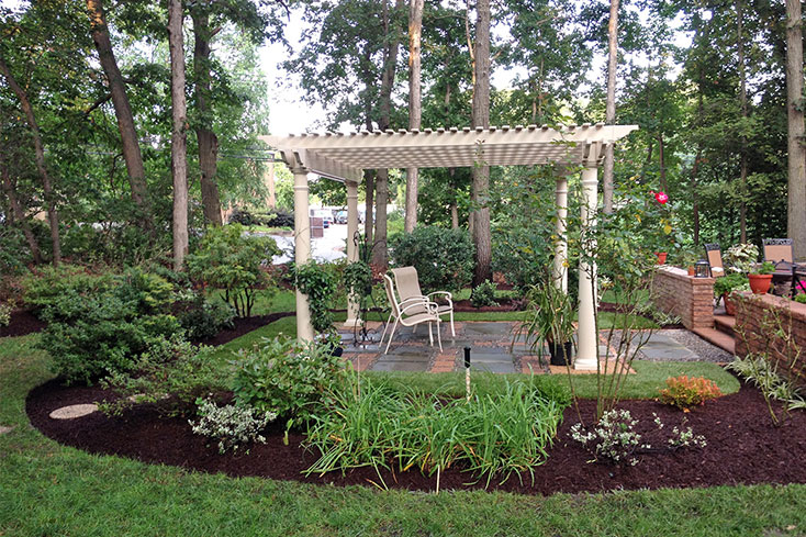 garden pergola idea for small backyard