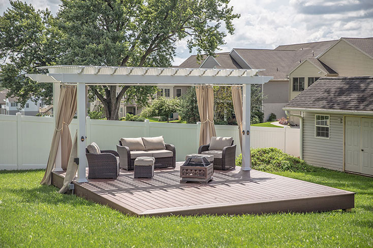 pergola cabana in small backyard