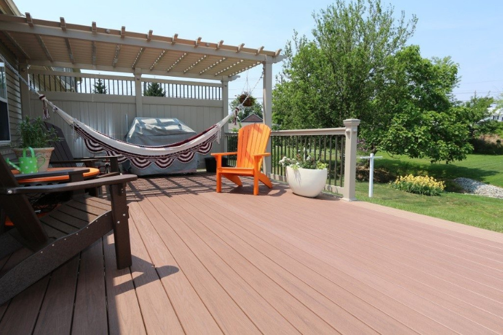 tan accent deck pergola idea